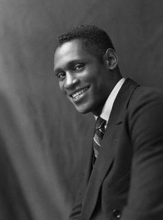 Paul Robeson, majestic singer and actor, brilliant scholar and athlete, fierce political activist and all-around renaissance man, was born in He is seen here in 1925 in a photo by British photographer Alex Stewart Sasha. Afro, Vintage Black Glamour, Vintage Man, Renaissance Men, African Diaspora, Black History Month, African American History, Old Hollywood, Classic Hollywood