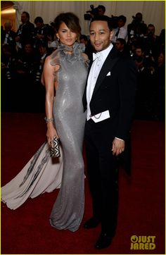 Chrissy Teigen Keeps it Classy with Hubby John Legend at Met Ball 2014