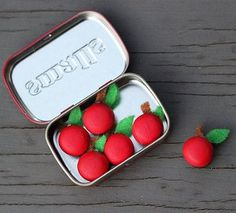 Tiny Apple Refrigerator Magnets - great teacher gifts!
