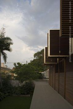 Casa Marrom / Isay Weinfeld