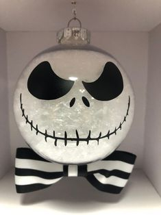 Jack Skellington Christmas Ornament - Nightmare Before Christmas Nightmare Before Christmas Decorations, Nightmare Before Christmas Tattoo, Christmas Gifts For Couples, Christmas Ornament Crafts, Diy Christmas Gifts, Christmas Themes, Christmas Crafts, Halloween Decorations, Halloween Prop