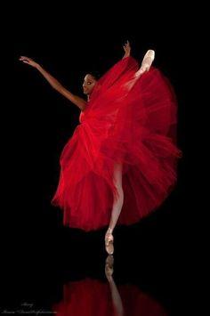 Beautiful ballerina in a giant red tutu Shall We Dance, Lets Dance, Dance Movement, Ballet Costumes, Baby Costumes, Ballet Beautiful, Ballet Dancers, Ballerinas, Ballet Girls