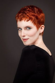 Pixie Cut Do's & Don'ts: Things to Know Before Getting a Pixie Cut Work Hairstyles, Pixie Hairstyles, Pixie Haircut, Edgy Short Haircuts, Short Hair Cuts, Pixie Cuts, Cut My Hair, Red Hair, Pretty Short Hair