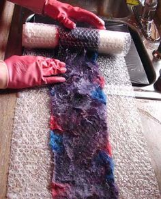How to make a felted wool scarf. I plan to use this technique to repair my wool felted clogs. How to make a felted wool scarf. I plan to use this technique to repair my wool felted clogs. Nuno Felting, Needle Felting, Fabric Art, Fabric Crafts, Gauze Fabric, Nuno Felt Scarf, Felted Scarf, Do It Yourself Jewelry, Felted Wool Crafts