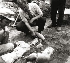 Archaeologists at the time of finding two ancient statues, region of Markopoulo in Athens, 1972
