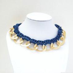Collar A-Team en cadena dorada y ganchillo azul marino. Personaliza tu collar de moda disponible en más colores.  A-team necklace in golden chain and crochet. http://knotsmadewithlove.com/coleccion/basicos-knots/a-team/