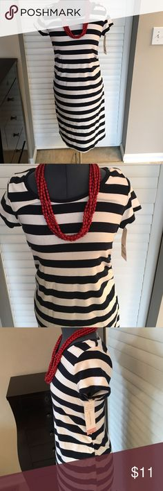 NWT Liz Lange Striped Nautical Maternity Dress Med NWT Liz Lange Striped Nautical Maternity Dress Medium. 57% cotton. 38% modal. 5% spandex. Liz Lange Dresses