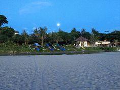 Full Moon on Seminyak Beach, Bali 2016
