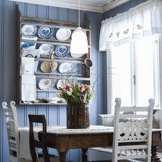 Shabby Chic Interiors, Plate Racks, Kitchen Stories, Scandi Style, Summer Diy, Pretty Pastel, Dining Table, Interior Design, Room
