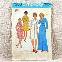 7238 SIMPLICITY Uncut PATTERN 1975 Women Raglan Sleeve Robe High Round Neck Collar Front Zipper or Button Size 14 3-oz