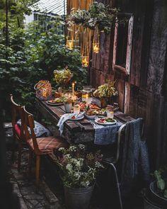 Outdoor Areas, Outdoor Dining, Rustic Outdoor Spaces, Dining Table, Casas Magnolia, Elsie De Wolfe, Romantic Dinners, Samhain, Garden Inspiration