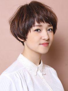 Stacked Haircuts, Best Short Haircuts, Cool Haircuts, Short Hairstyles For Women, Short Choppy Hair, Girl Short Hair, Short Hair Cuts, Short Hair Styles, Mushroom Hair