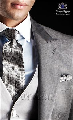 Traje de novio Chaqué gris de pura lana extra fina mixto pl coordinado con pantalón de etiqueta.