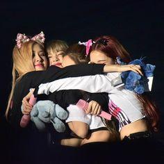 Kim Jennie, Lisa Black Pink, Black Pink Kpop, Yg Entertainment, South Korean Girls, Korean Girl Groups, K Pop, Square Two, V Video