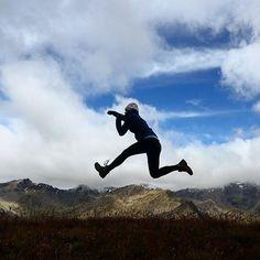 Define your limits new 🤸♀️ #jumpintheair #limitlessminds #jumpordie #daretofly #outofcomfortzone #martelltal #zufallhütte #2happyhomeless