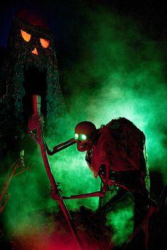 Cauldron Creep and Volcano by DevilsChariot, via Flickr