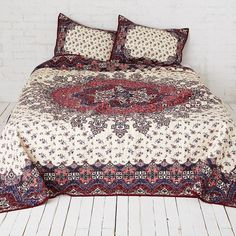 AEO APT Full/Queen Quilt Set ($130) ❤ liked on Polyvore featuring home, bed & bath, bedding, quilts, multicolored, cotton pillow shams, full/queen quilt set, american eagle outfitters, colorful bedding and multi color bedding