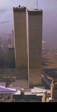 World Trade Center Nyc, Trade Centre, Ground Zero Nyc, New York City, Manhattan New York, City Aesthetic, Amazing Buildings, Dream City, Famous Places