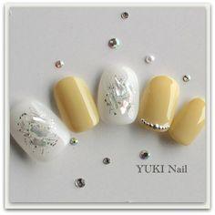 15 Easter Nails We're Obsessing Over - Hello Bling Nails, 3d Nails, Glitter Nails, Yellow Nail Art, Hello Kitty Nails, Stiletto Nail Art, Red Nail Designs, Japanese Nail Art, Swarovski Nails