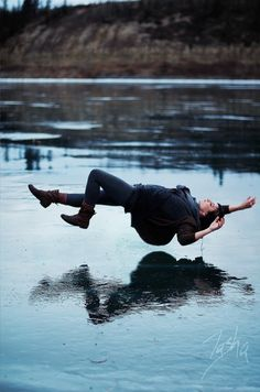 What if you did awesome floaty wedding pictures! OO, or we could make it look like we were floating on the flume- even though its empty! How to take great levitation photos and trick photography by reducing motion blur | Trick Photography