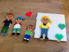 Family portraits made of hama beads - DIY Projekte Pearler Bead Patterns, Pearler Beads, Frozen Crochet, Hama Beads Design, Activities For Boys, Melting Beads, Grandma Gifts, Beading Patterns, Family Portraits