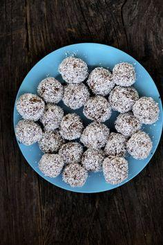 Recept på raw food-bollar - ett nyttigt alternativ till chokladbollar och lika gott!