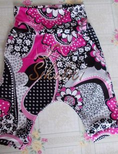 Discover recipes, home ideas, style inspiration and other ideas to try. Textiles, Sewing Stitches, Baby Sewing, Kids And Parenting, Sewing Tutorials, Baby Car Seats, One Piece, Children, Swimwear