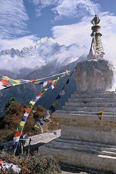 Tenzing Chorten, Everest Trail, Nepal (by FreddieZB). http://exploretraveler.com http://exploretraveler.net