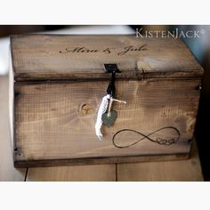 BOX FOREVER Maße: Breite 40 cm, Höhe 23 cm, Tiefe 20 cm Distressed bearbeitet Handbemalt Eine ganz besondere Geschenkidee, die ein Leben lang bleibt, zur Hochzeit, Jahrestag,...
