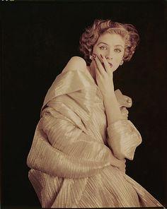 Suzy Parker vintage fashion photo