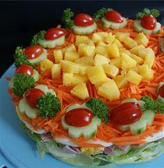 Hier ein Beispiel für eine fruchtige Salat Torte, das Highlight bei unseren Gillpartys. Bei dieser habe ich Eissalat, Zwiebeln,...