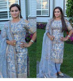 Ladies Suits Indian, Indian Attire, Indian Wear, Simple Pakistani Dresses, Pakistani Outfits, Indian Dresses, Kurti Neck Designs, Kurta Designs Women, Blouse Designs