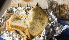 Toast i folie Grilling, Sandwiches, Toast, Bread, Cheese, Madness, Crickets, Brot, Baking