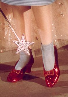 Do you know well all the most iconic shoes?  Share your feet with us: http://www.feet-project.com/submit