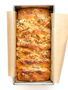 Buffalo chicken pull-apart bread is the ultimate finger food. #superbowl
