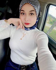 Beautiful Arab Women, Beautiful Hijab Girl, Foto Instagram, Hijab Chic, Girl Hijab, Muslim Girls, Niqab, Gothic Girls, Cute Woman