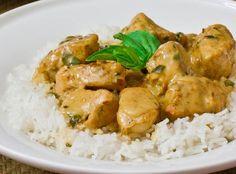 Κοτόπουλο με σάλτσα γιαουρτιού- κάρυ | ekriti Tasty, Yummy Food, Other Recipes, Recipies, Greek, Food And Drink, Cooking Recipes, Meals, Chicken