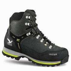 a5e991c5613 Elegir botas de montaña El calzado de montaña es una de las partes más  importantes de