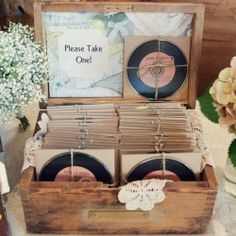 Vinyl looking CDs with the soundtrack to your wedding, or the couple's favorite songs as party favors. I love this idea so much! I'#music #wedding #vinyl #vintage
