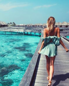 Luxury Beach Lifestyle - Maldives Source by beachwear Outfits Hipster, Good Vibe, Boho Fashion, Fashion Outfits, 90s Fashion, Bikini Fashion, Looks Cool, Mode Inspiration, Travel Inspiration