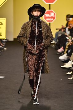 Munsoo Kwon | Ready-to-Wear - Autumn 2017 | Look 28