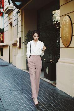 Korean Fashion Work, Work Fashion, Asian Fashion, Fashion Outfits, Retro Fashion, Fashion Trends, Office Outfits Women, Stylish Work Outfits, Classy Outfits