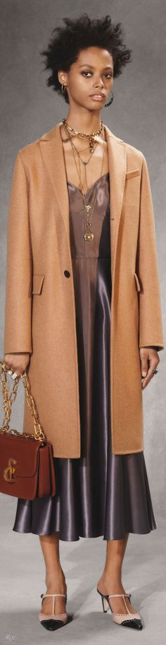 Dior coat and dress Casual Chic Style, Look Chic, Dior Fashion, Womens Fashion, Fashion Trends, Christian Dior, Camel Coat, Coat Dress, Fall 2018