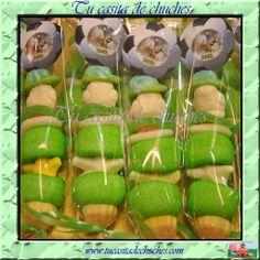Brocheta de chuches personalizada balón de fútbol, el detalle perfecto para tus invitados en tu fiesta. Sin gluten. Encuéntralas en www.tucasitadechuches.com