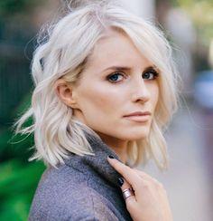 short wavy hair #platin #blond
