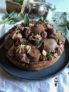 Lorsque mon four ne fonctionne plus qu'en sole haute, cela complique très nettement toute réalisation de pâtisseries. Adieu cakes, tartes, muffins, brioches et autres gâteaux gourmands. Il faut faire preuve d'imagination, mais on arrive quand même à réaliser... Chocolate Pies, Chocolate Cookies, Number Cakes, Four, Diy Food, Cake Cookies, Imagination, Cheesecake, Food And Drink