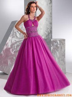 Robe de princesse élégante en taffetas et tulle ornée de cristaux et de plis