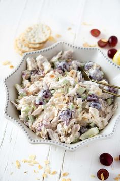 This delicious and easy chicken salad only takes 15 minutes to make, thanks to the rotisserie chicken. It's a simple, healthy salad that's perfect for brunch, lunch, or picnics! Rotisserie Chicken Salad, Chicken Salad Recipes, Healthy Salad Recipes, Healthy Chicken, Delicious Recipes, Top Recipes, Brunch Recipes, Real Food Recipes, Appetizer Recipes