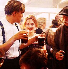 33 Reasons You Should Quit Your Messing Around And Marry An Irish Person Sad Movies, 2 Movie, Comedy Movies, Titanic Behind The Scenes, Titanic Movie Facts, Leo And Kate, Young Leonardo Dicaprio, I Love Cinema, Tv Couples