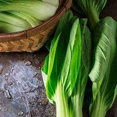 Gewokte paksoi met biefstuk en mie - recept - okoko recepten One Pot Meals, Celery, Pasta, Fruit, Vegetables, Cooking, Health, Recipes, Food